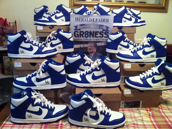 timeless design 10536 56b55 ... Nike Dunk Kentucky Hyping Up The Streets Online Magazine .